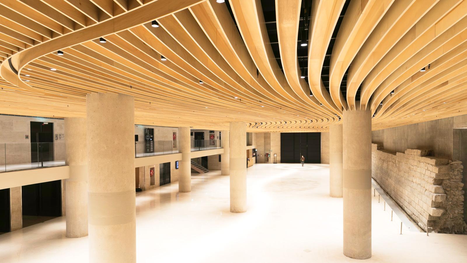 Perspective Escalier : Louvre plafond bois intumescent m woodenha portfolio